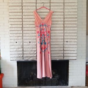 Pink embroidered maxi dress -M
